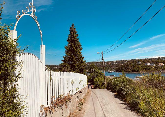 Smale, søte veier, litt utenfor allfarvei, det er Malmøya.